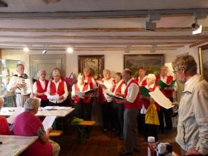 Der Wolfgang Chor lädt zum Mitsingen von Volksliedern ein